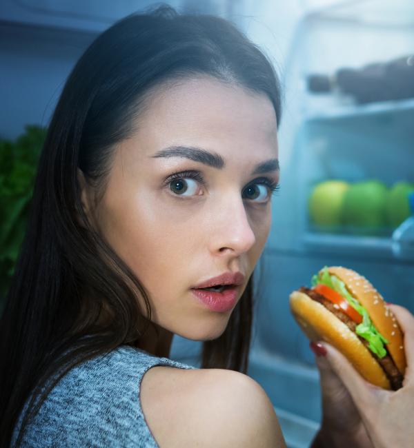jak sobie radzić z nocnym napadem głodu